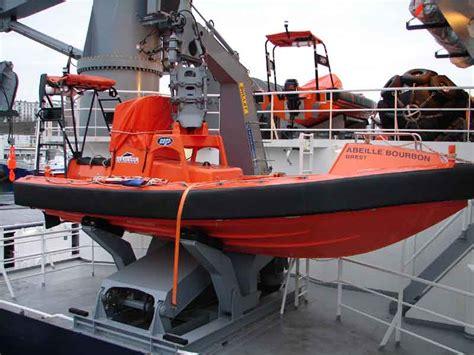 paris marine used boats file rescue boat abeille bourbon jpg wikimedia commons