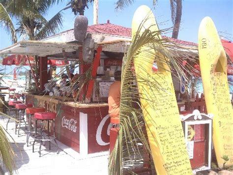 Tiki Hut Bahamas Tiki Hut On Junkanoo Picture Of Junkanoo