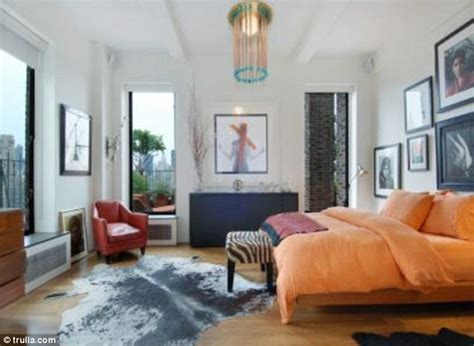 jennifer aniston bedroom inside the 5 9m one bedroom penthouse apartment that