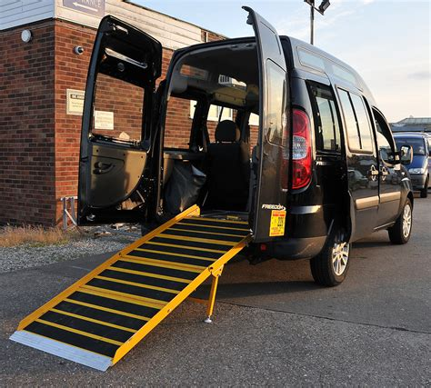 Rollstuhlgerechtes Auto by Wheelchair Accessible Vehicles