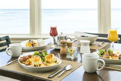 house moana surfrider waikiki beachfront dining moana surfrider a westin