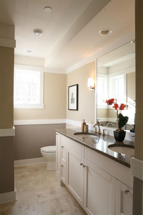 two tone paint bathroom walls what are the paint colors in this bathroom