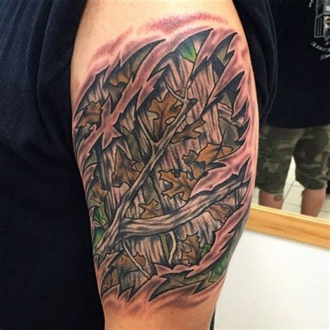 camo shoulder tattoo 14 best oak tattoo images on pinterest oak tree tattoo