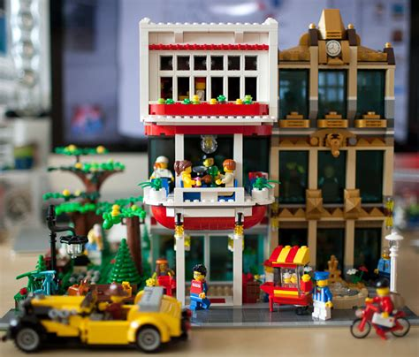 The Hut Restaurant And Tiki Bar Moc Have A Brick Bar Amp Restaurant Lego Town