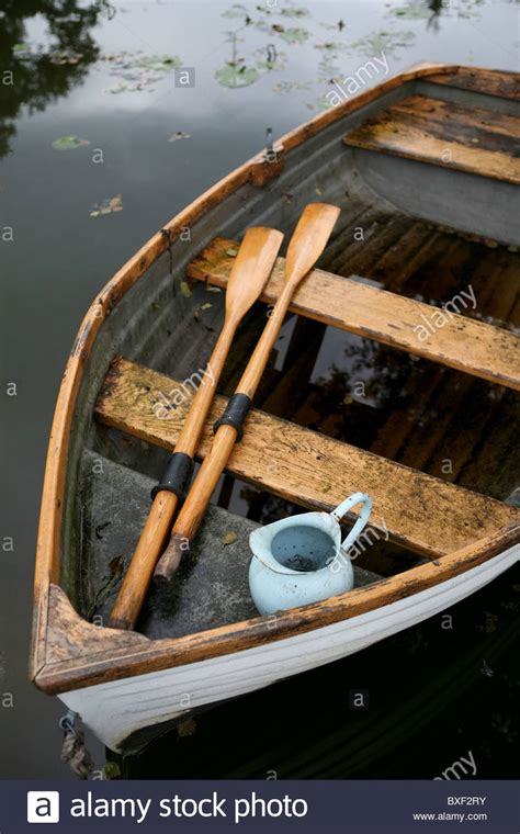boat without oars oars stock photos oars stock images alamy