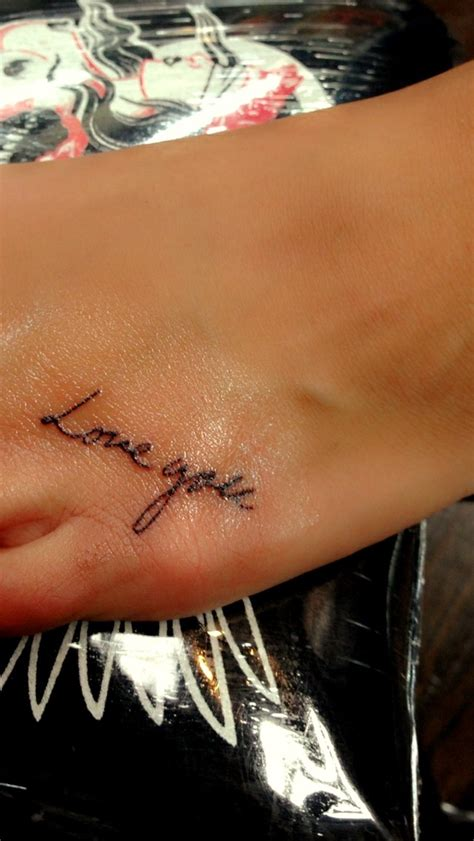 handwriting tattoo placement 25 b 228 sta tattoo for grandparents id 233 erna p 229 pinterest