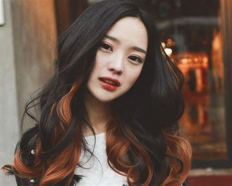 Catokan Rambut Paling Bagus warna highlight yang paling bagus untuk rambut hitam fashion beautynesia