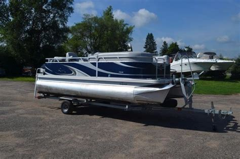 pontoon boat rental twin cities mn 2012 qwest 7518 18 foot 2012 pontoon deck boat in