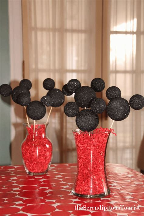 Mickey Mouse Table Decorations by 25 Best Ideas About Disney Centerpieces On