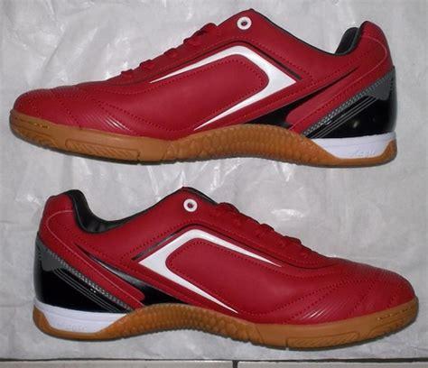 Sepatu Futsal Ori Murah Toko Jual Sepatu Futsal Original Murah Merah Gelap Hitam Putih