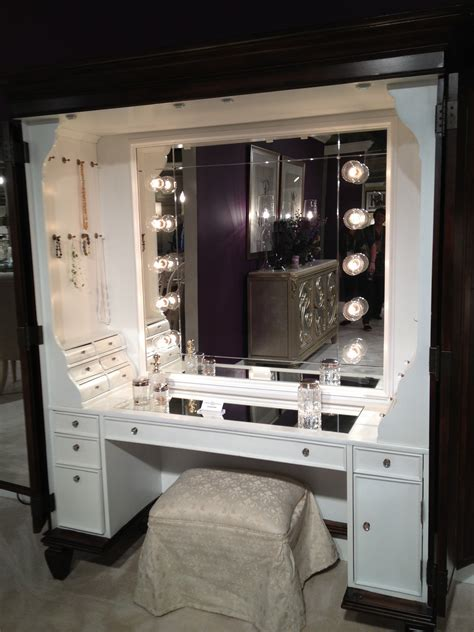 tips modern mirrored makeup vanity   beauty room ideas marlonjamesphotographycom