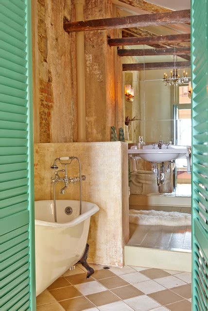 restoration of eclectic french quarter pied a terre in new orleans decor advisor french quarter pied a terre eclectic bathroom new