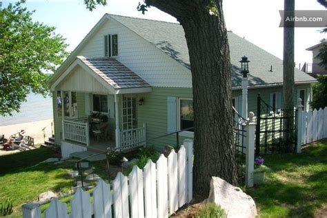 Lakefront Cottages For Rent In Michigan by Lakefront Vacation Rental Cottage On Lake Huron In