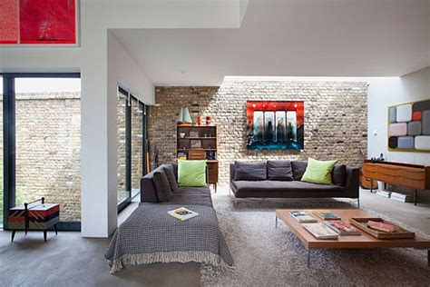 Retro style in interior design ideas with rustic furniture and brick wall decor nytexas