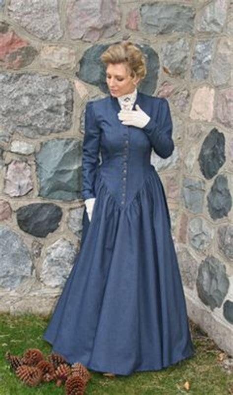 Denim Victoriaje Dress costuming for pioneer 1800s http www cattlekate