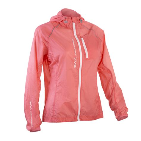 Mds Raincoat Light waa ultra textile and equipment for running trail