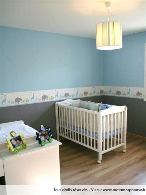 davaus chambre bebe garcon bleu gris avec des