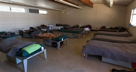 san francisco shelter reaching out to the homeless sleeping on your san francisco doorstep sf