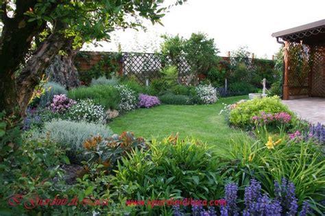 progetti piccoli giardini oltre 1000 idee su piccoli giardini su