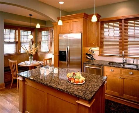 Best Color For Kitchen Cabinets by 25 Best Ideas About Honey Oak Cabinets On