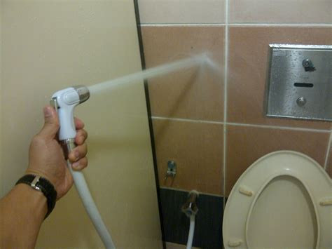 How To Use Toilet Jet Spray Orang Aku Pun Sibuk Nak Jugak Nozzle