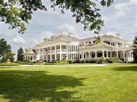 modern plantation house antebellum