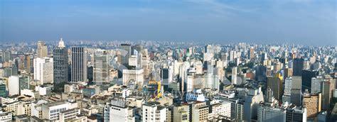 on line san paolo san paolo skyline brasil stock photos freeimages