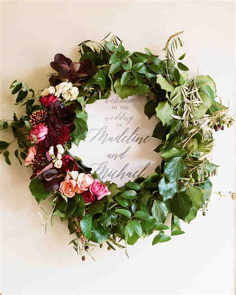 flower wedding wreath 58 genius fall wedding ideas martha stewart weddings