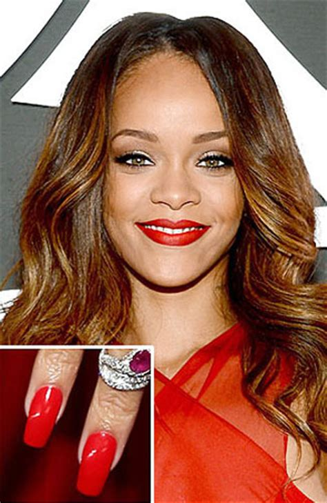 Md Rihanna Kotak Merah 4 selebriti dengan cat kuku menarik perhatian di grammy awards 2
