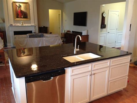 Contractor Grade Kitchen Cabinets by Updating White Quot Builder Grade Quot Kitchen Cabinets