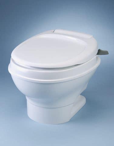 chemisch toilet hoog model thetford aqua magic v hoog of laag