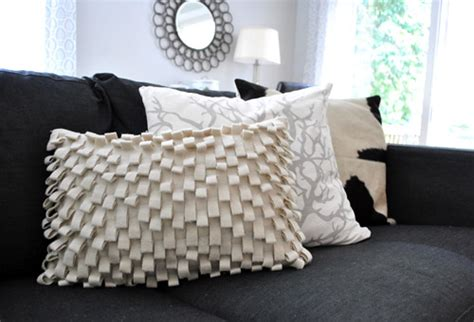 How Many Pillows Should You Use by Decorating How Many Textiles Should You Use In Each
