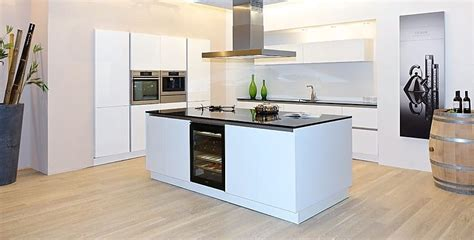 kueche mit kochinsel kuechenplanung pinterest kitchens
