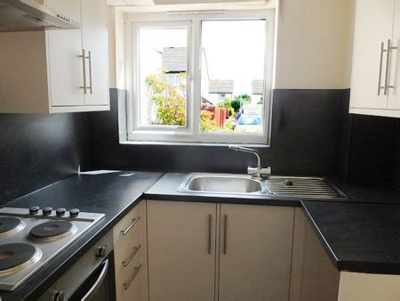 kitchen design and fitting advice on hiring a builder tradesman contracter home