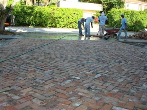 Patio Pavers Chicago 1000 Ideas About Paver Installation On