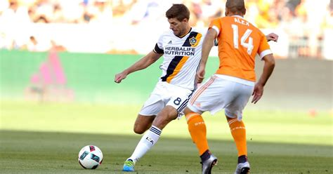 new year gerrard steven gerrard to make decision on future in new year
