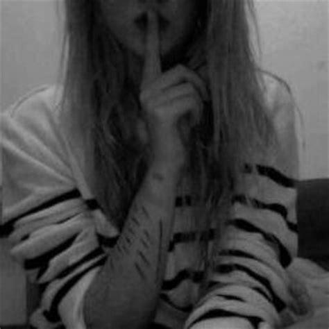 imagenes suicidas i m fine menina suicida vociraver twitter