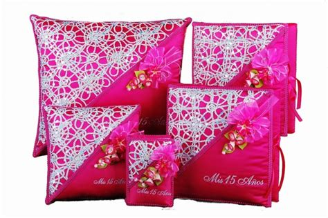 Quinceanera Pillow For Shoes by 14 Best Quince Pillows For Crown Shoes Kneeling Images On