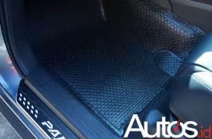 Harga Karpet Karet Toyota Yaris karpet karet ini sanggup menutupi hingga bagian dinding