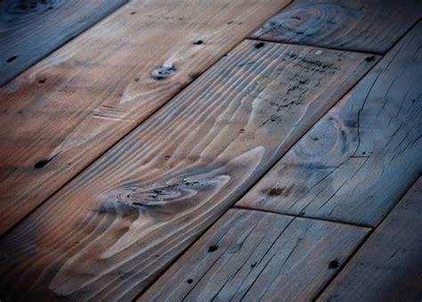 pavimento in tavole di legno restauro pavimento assi in legno restauro
