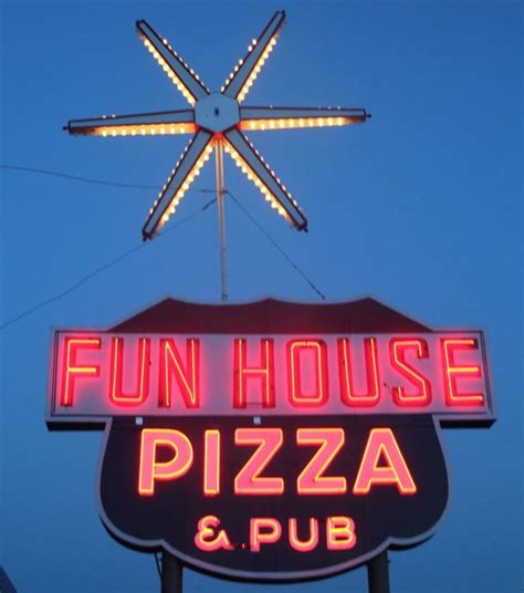 fun house pizza here are 15 more pizza places in missouri so good your mouth will explode