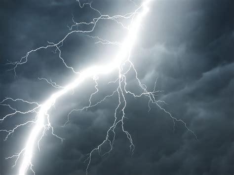 Lightning Light Burning Soil Fuels Lightning Physicsworld