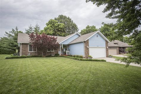Garage Sales In Springfield Mo New Listing In Springfield Missouri Great Back Yard