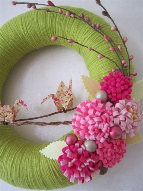 spring wreaths diy spring bloom yarn wreath origami crane pink felt flower