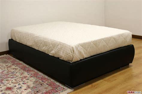 letto in pelle con contenitore letto con contenitore una piazza e mezza senza testata sommier