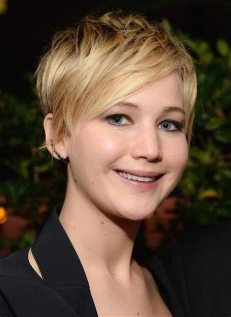 instructions for jennifer lawrece short haircut chatter busy jennifer lawrence steps out with pixie cut