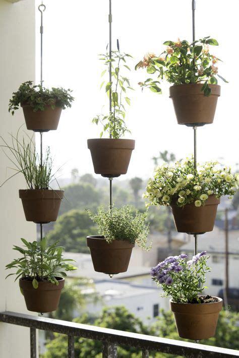diy vertical gardens   herbs vertical garden