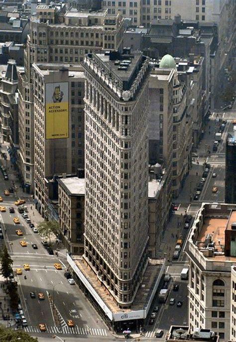 le flat iron building est le plus 233 troit monument de new