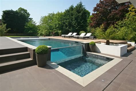 modern pool oxted house located in england keribrownhomes
