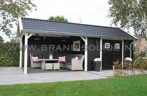 tuinhuis wit met grijze deuren cottage 300 x 350 luifel 350 brand s timmerfabriek